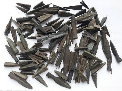 Lot Of 100 Ancient Arrow Head