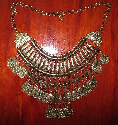 Vintage Costume Jewelry Gold Coloured Necklace