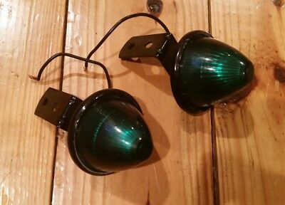 (2) Vintage Green Marker Beehive Style Lights Classic Clearance 90° Mounts