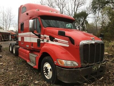 2009 Peterbilt 387  REPAIRABLE  No Reserve Semi Sleeper Cummins Diesel Truck