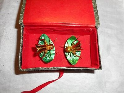 Asian Box With Dragon Flies On Leaves That Wiggle