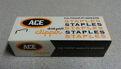 Box of 5000 ACE Undulated Clipper Chisel Point No. 700 C.P. Staples