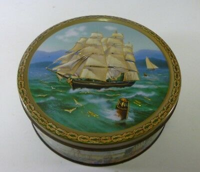 Jacobsens 'TALL SHIPS', round 14 oz. Biscuit Tin