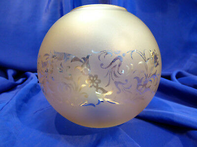 GLOBE DE LAMPE A PETROLE EN VERRE SATINE & DECOR . H 115 mm D 61 mm. REF 5044