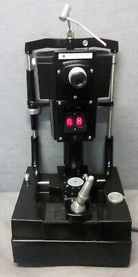 American Optical Non Contact Tonometer Model 12415 - Powers on