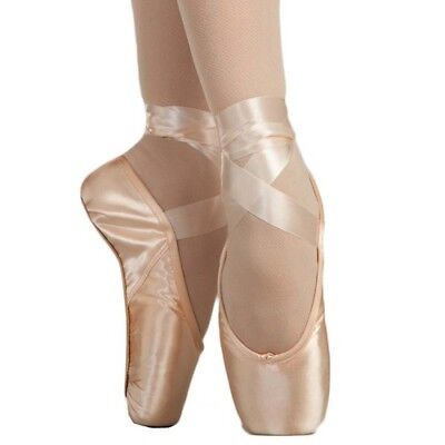 Capezio Plie II Pointe Shoe ONLY $10.00 PR! Perfect for a beginner, Wider foot!