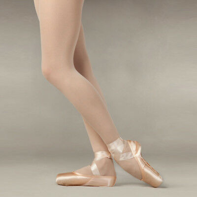 Capezio Tendu II Pointe Shoe ONLY $10.00 PR! Perfect for a beginner pointe!