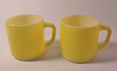 2 Vintage Federal Glass YELLOW D HANDLE STACKING MUGS Excellent