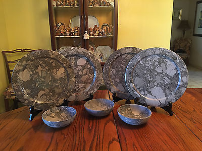 7pc Round Shape Fossil Plates and 3 Matching Bowls In Great Condition, RARE