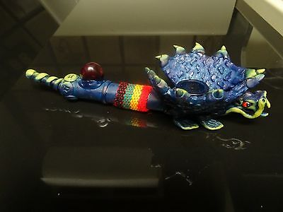 Flying Blue Dragon  Ceramic Smoking    Pipe. 5  screens < no glass   ( PM 2401 )