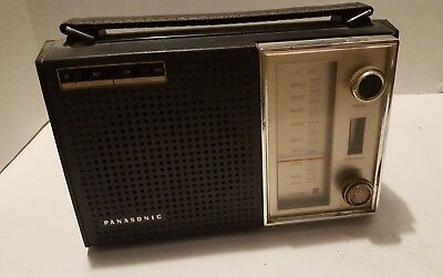 Vintage Panasonic AM Solid State Portable Radio R-1599 Tested Working