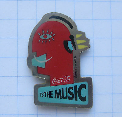 COCA-COLA / IS THE MUSIC ................................. Pin (121d)