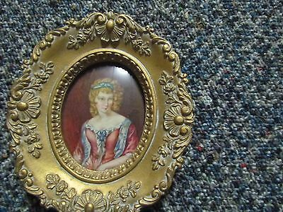 Gold Oval Cameo Creation Alice By Vincent Nesbert After F. Stone Curved Glass