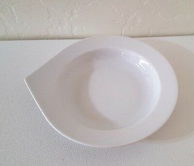 Chodziez Modern Soup Bowl with Pointed Handle-Solid White - Made in Poland