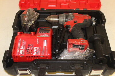 Milwaukee M18 FUEL 18-Volt Lith-Ion Brushless 1/2in Hammer Drill/Driver 2704-22