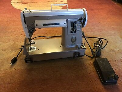 1950's Vintage Singer Model 301A Sewing Machine Sews Great Manual Featherweight