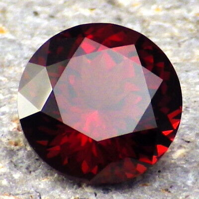 PYRALSPITE GARNET-E.AFRICA 4.80Ct CLARITY VS2-INTENSE RED ORANGE COLOR-VIDEO