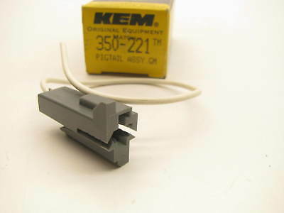 Kemparts 350-221 Carburetor Electric Choke Pigtail Wire Connector Socket