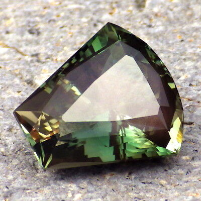 PEACOCK-CHROME GREEN SCHILLER OREGON SUNSTONE 11.58Ct FLAWLESS-VERY RARE-VIDEO