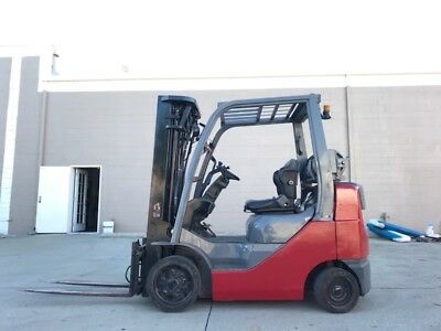 Toyota Forklift  8000lbs  52-6FGCU35-BCS Low Hours / Side Shift and 3 Stage Mast
