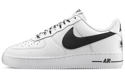 Scarpe Nike Air Force One 1 Low 07 NBA White Black Sneaker Basket Shoes Uomo