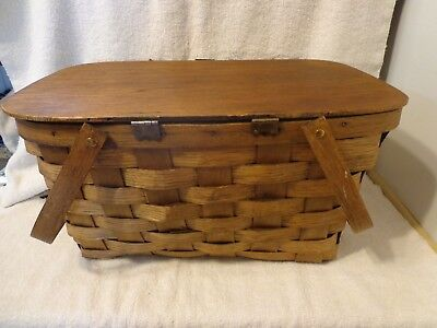 Vintage  Wooden-Weave Picnic Basket With Attached Lid In Nice Condition