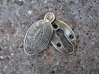EARLY VICTORIAN BRASS KEYHOLE ESCUTCHEON - for handle door rim lock - horse shoe