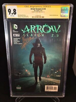Arrow Season 2.5 #4 CGC 9.8 1238961002 Signed By Stephen Amell  Photo Cover