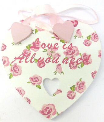 Lesser and Pavey Home Sweet Home Blanc/Rose Love Is All You Need plaque