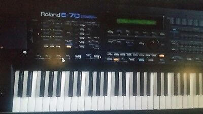 Roland E-70 , syntesaizer/ keyboard Arranger,Compozer,Pro  instrument,All in one