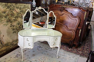 Beautiful English Painted Antique White Queen Ann Dresser / Vanity