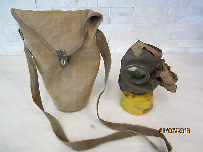 Original Wwii Italian Gas Mask And Carrier Bag Pirelli T35