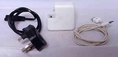 Apple iPod power adapter Model A1070 output 12 V 0.67 A (untested) & usb cable