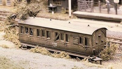 Derelict Carriage Plastic Kit Model Trains OO/HO from Ratio Models