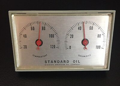 Pre-Owned Vintage Standard Oil Small Shelf/table Temperature & Humidity Gage