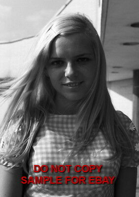 France Gall - Exclusive Unpublished PHOTO Ref 025
