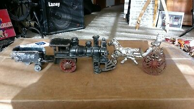 ANTIQUE PAIR OF CAST IRON TOY CARRIAGE AND LOCOMOTIVE   1800s - 1900s