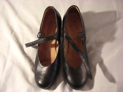 Flamenco Shoes for Your Daughter's Aspirations Size 23