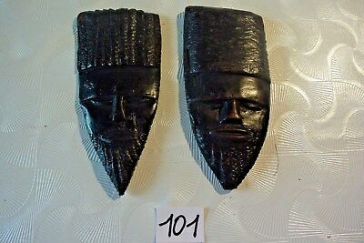 C101 2 Très anciens masques africains tribal ethnie zoulou tribu