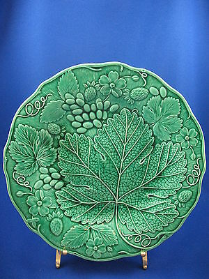 ANTIQUE MAJOLICA GREEN STRAWBERRY LEAF VINE PLATES (6) c1870-1880