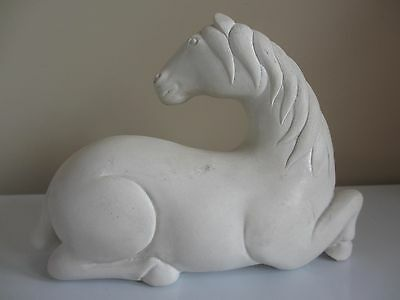 Wonderful Museum Of Art Alabaster Chinese Stylized Tomb Horse Figure Replica