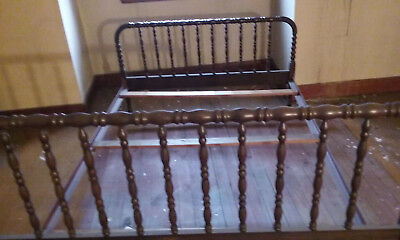 Antique jenny lind, and Metal  full size bed