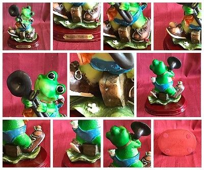 """Yanglin Collection Base Resin Frog Playing Sax Musician Music Saxophone 6"""" Tall"""