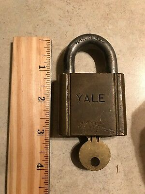 VINTAGE YALE & TOWNE BRASS PADLOCK WITH KEY Works great ANTIQUE LOCK