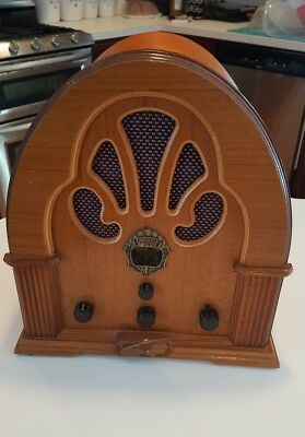 Vintage Thomas Collector's Edition Wood Radio Model BD 117 Norman Rockwell