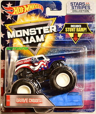 0840e497f414 Hot Wheels Monster Jam Stars And Stripers Collection Stunt Ramp Grave Digger