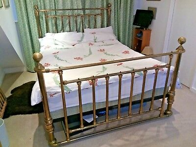 Antique-style brass bed (20th century) + mattress included