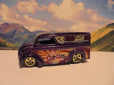 DAIRY DELIVERY   2000 Hot Wheels Circus On Wheels Series   Purple
