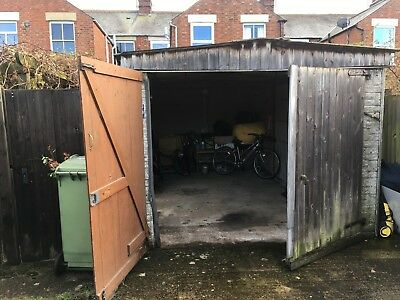 Sectional Concrete pre fab Garage - very good condition