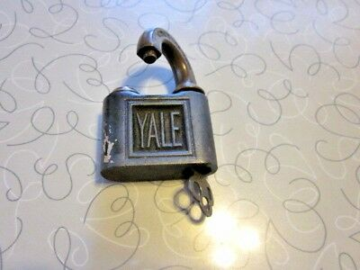 Antique Pad Lock Yale & Towne Mfg Co. Stamford Conn. WORKING TRUNK LOCK W KEY